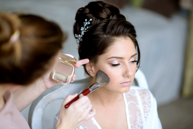 Learning bridal makeup with online makeup courses