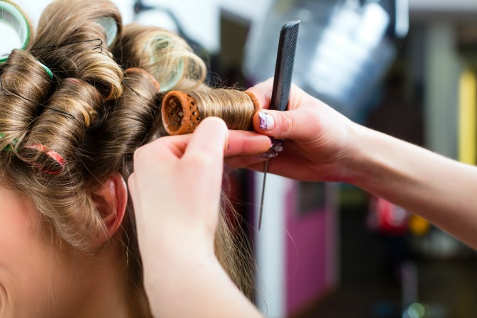 Hairstyling  course for makeup artists