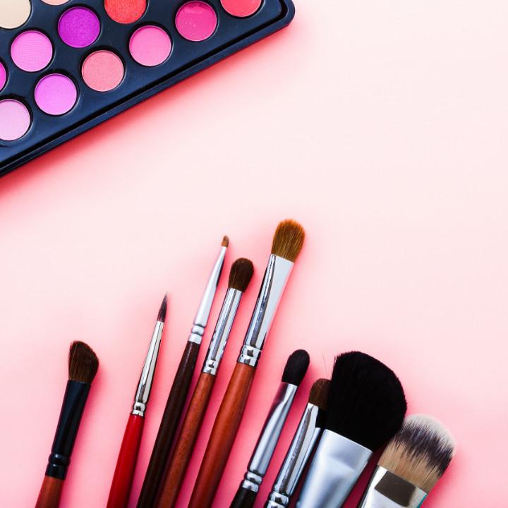 Discounts for makeup artists online