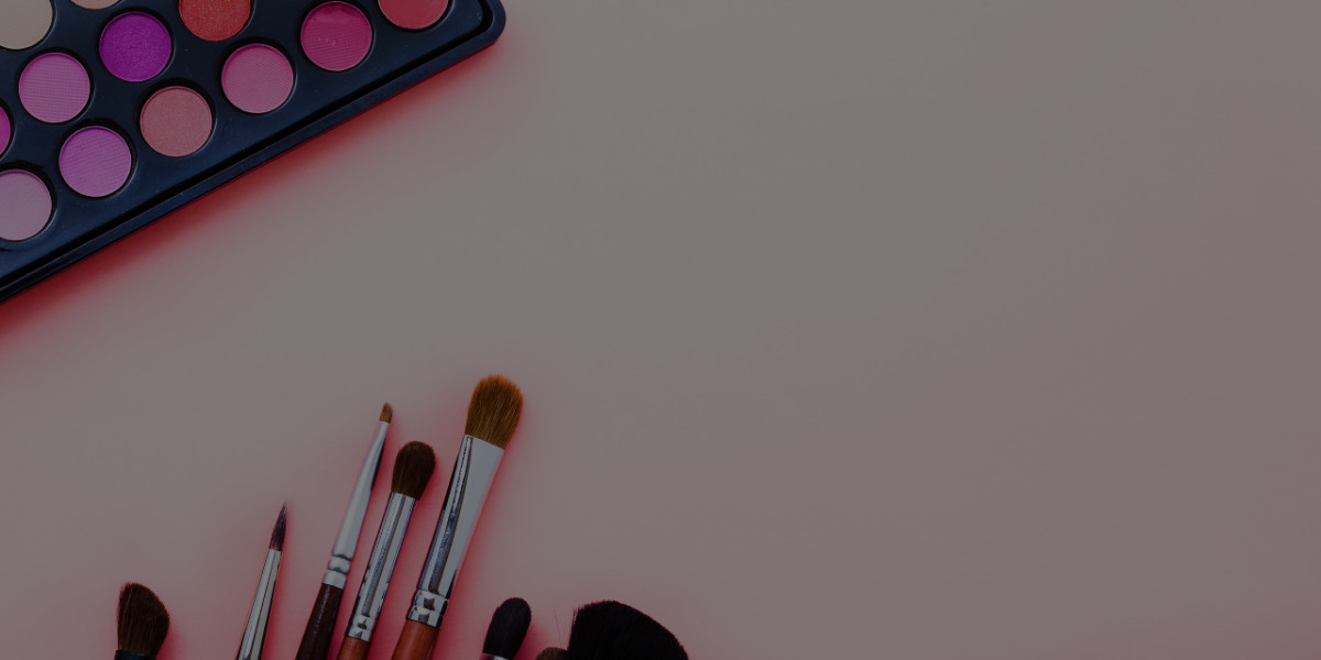 How to Find Discounts as a Working Makeup Artist