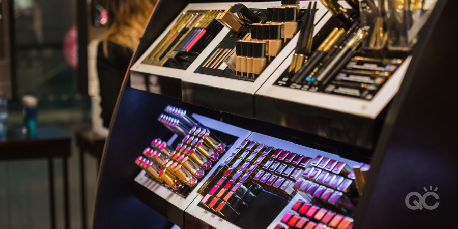 professional makeup kit display - get to know a variety of makeup products as a makeup artist