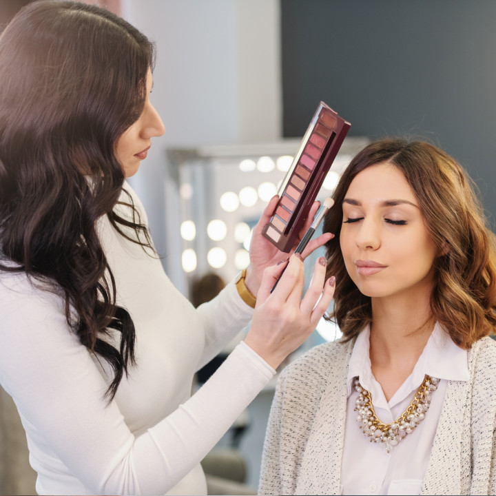 How to Become a Freelance Makeup Artist: A Step-by-Step Guide - QC Makeup Academy