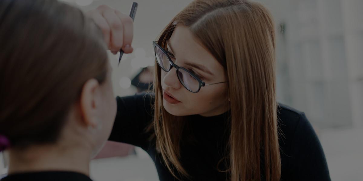 7 Struggles of Attending a Makeup School Online