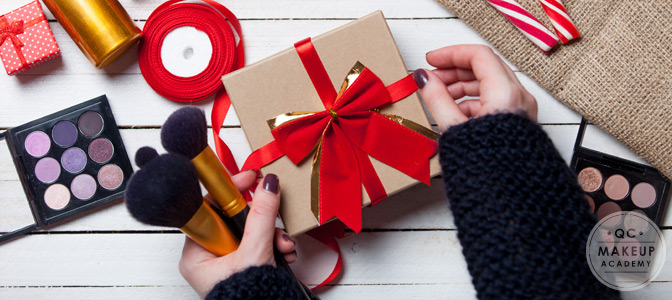 Should You Give Your Makeup Clients Holiday Gifts?