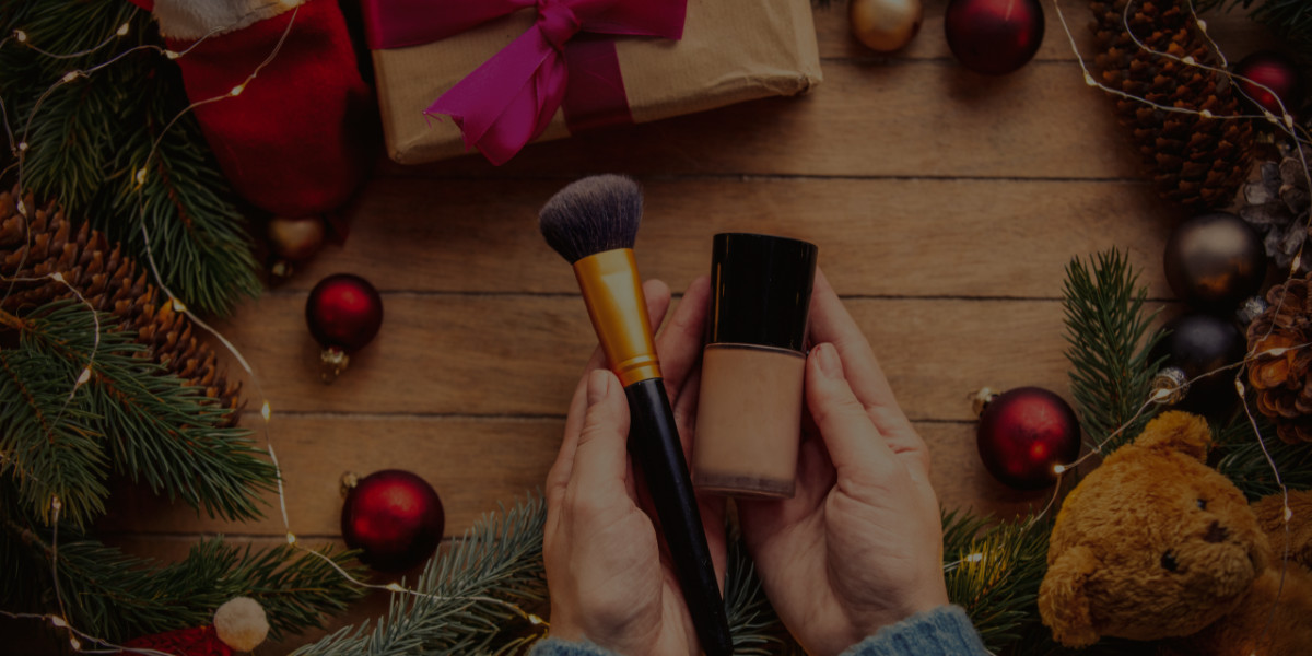 Pros and Cons of Offering Holiday Discounts to Your Makeup Clients