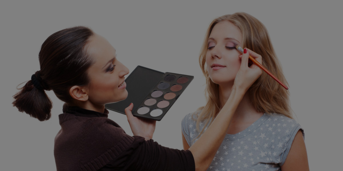 Quiz: Which Professional Makeup Training Program Should You Take?