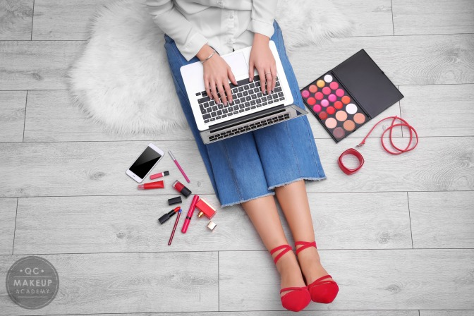 Know the benefits of starting starting makeup classes online
