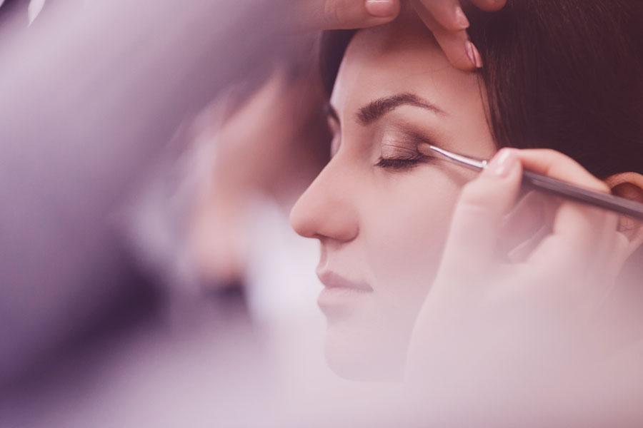 Do-It-Yourself Makeup Repair
