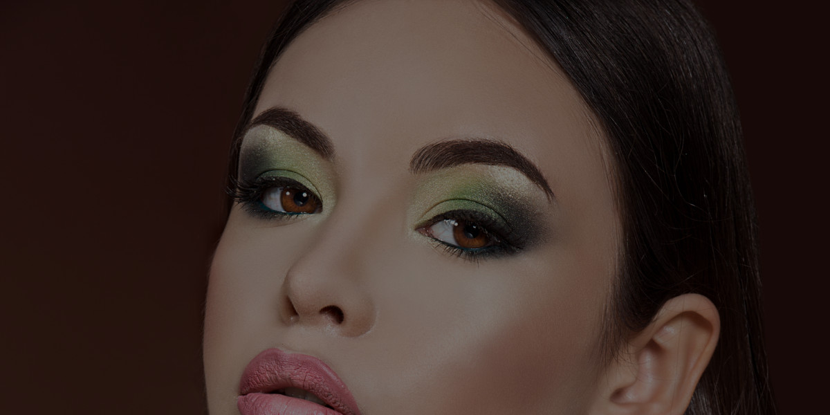 3 Best Ways to Add Green into Your St. Patrick's Day Makeup Look