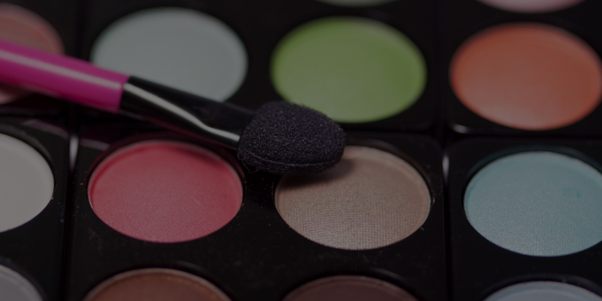 Learn How to Brand Yourself with Professional Makeup Training