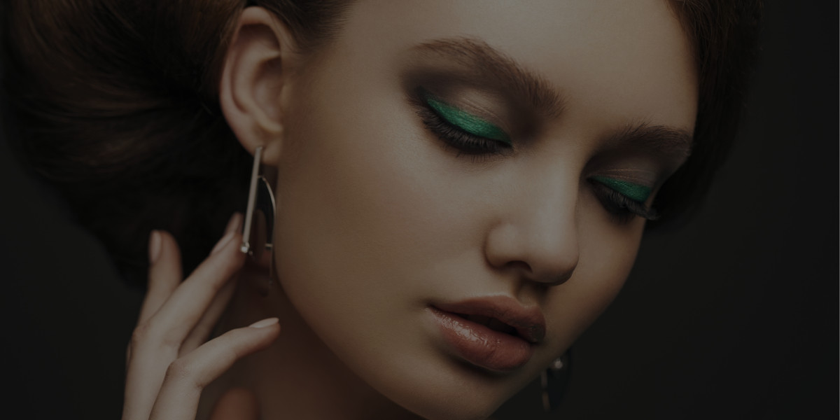 Top 3 Ways to Add Green to Your St. Patrick's Day Makeup Look