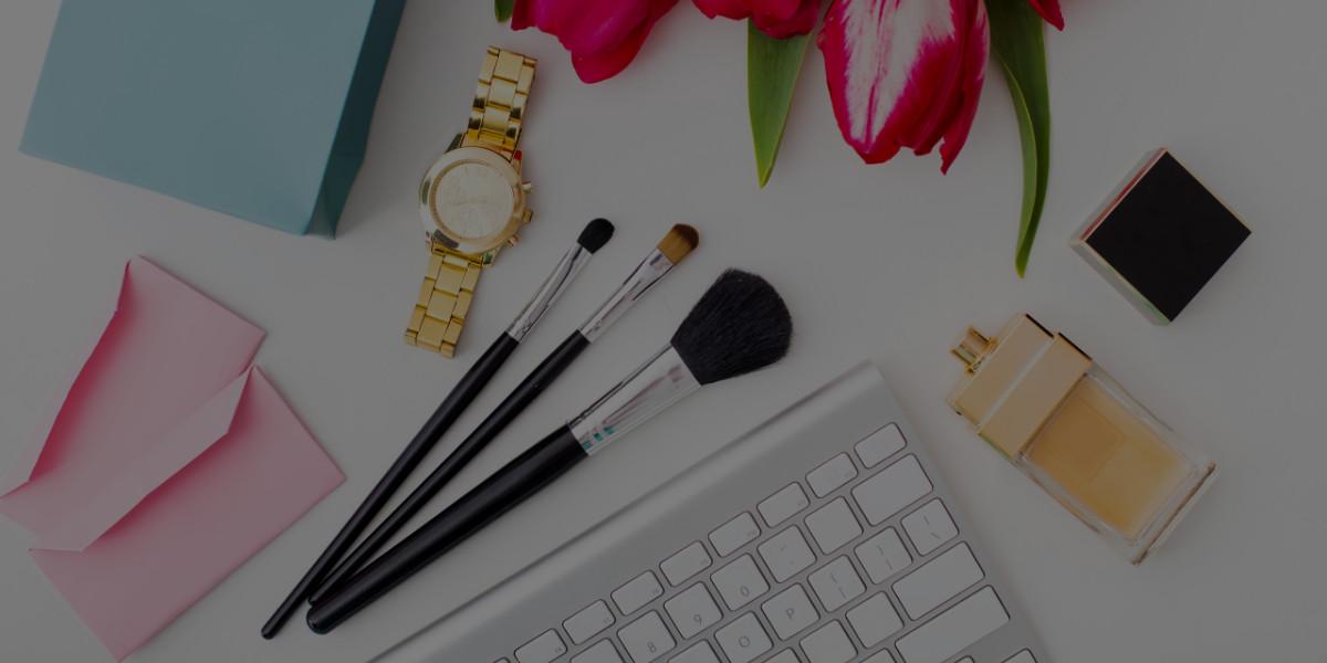 5 Extra Perks of Online Makeup Artist Schools