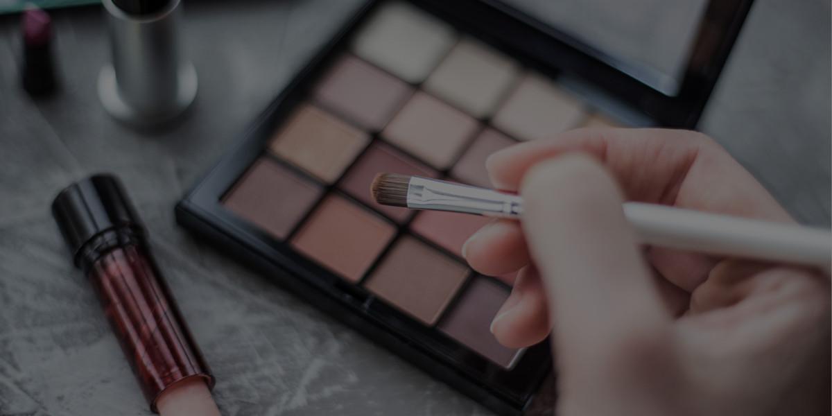 Makeup Artist Salary vs. Special Effects Makeup Artist Salary