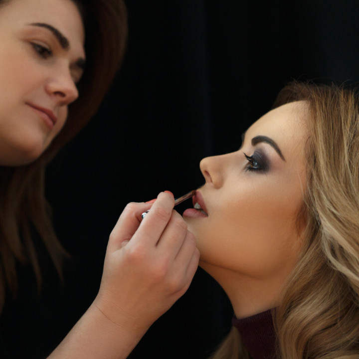 makeup artistry business how to become a professional makeup artist