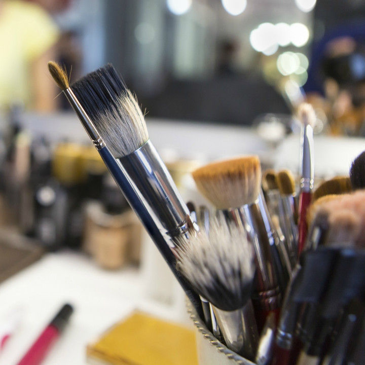 graduate from qc makeup academy and become a certified international makeup professional