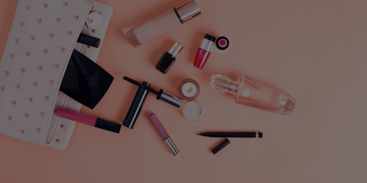 Makeup Perks When You Become a Makeup Artist Online
