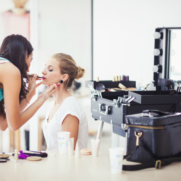 become a makeup artist - makeup artistry kit