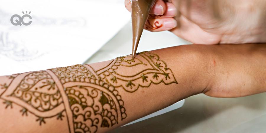 applying henna