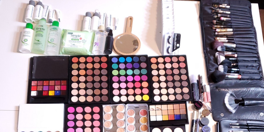 qc makeup academy graduate Whitney Conn professional makeup artist kit part 1