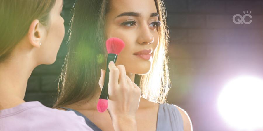 makeup artist practicing makeup