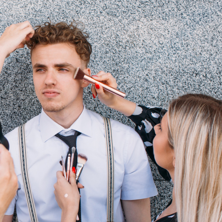 photoshoot makeup artist in training online makeup courses