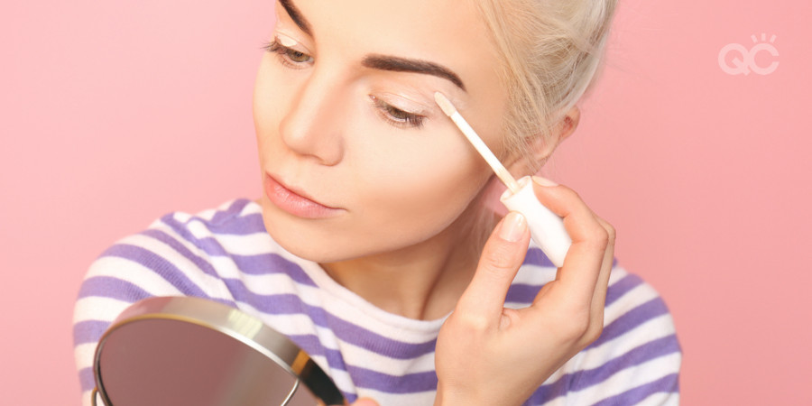 use eyelid primer to prime eyeshadow when learning makeup artistry