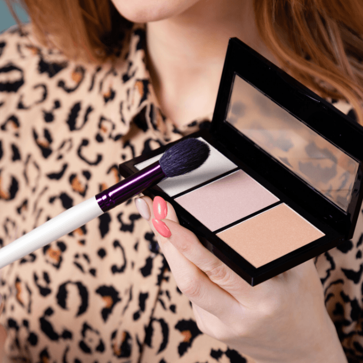 makeup jobs - applying highlight and blush