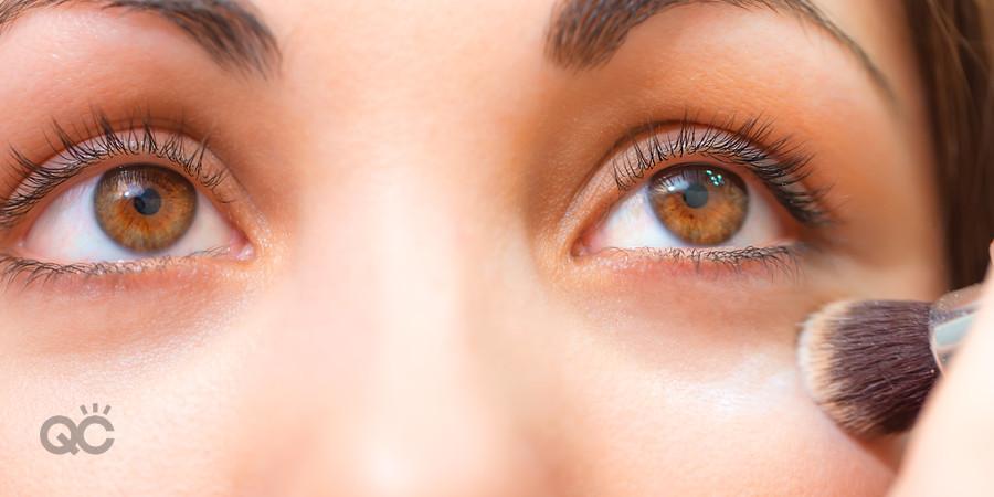 professional makeup artist sets under eye concealer