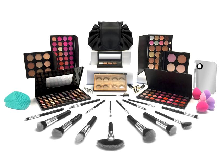 QC Makeup Academy - Master Makeup Artistry Course Free Makeup Kit - Special 15-Piece Makeup Kit Image