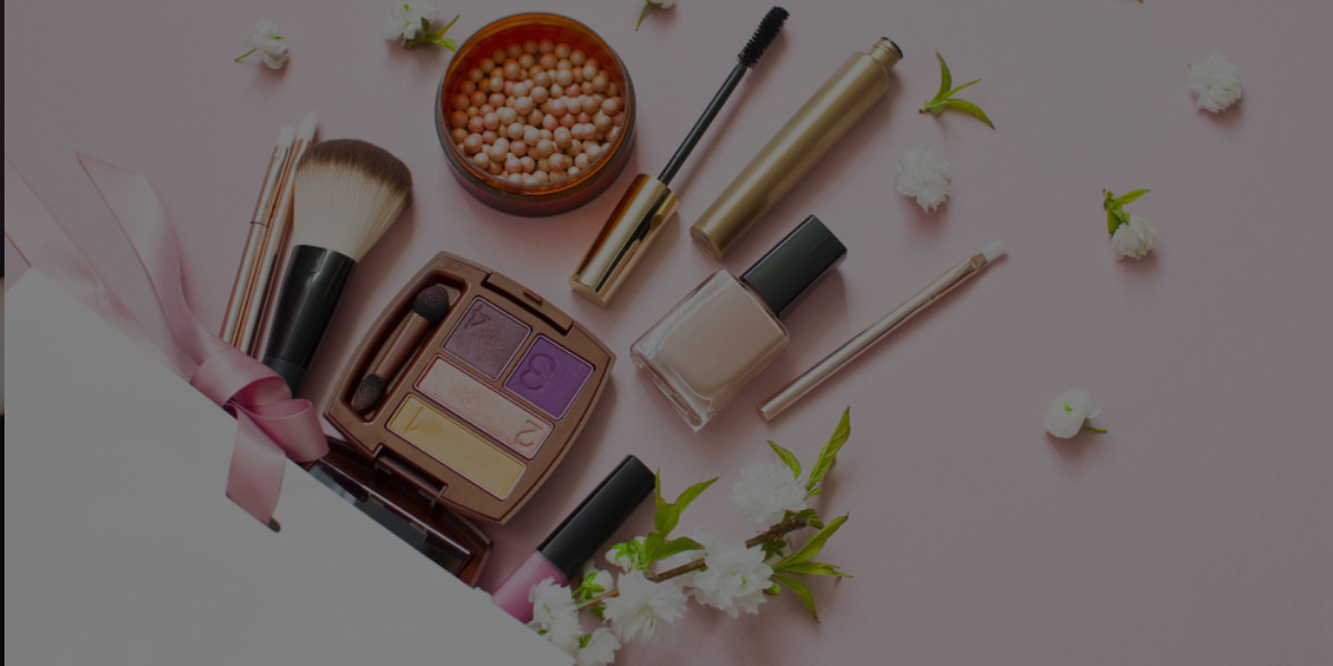 10 Makeup Products I Swear By for My Professional Makeup Kit [video]