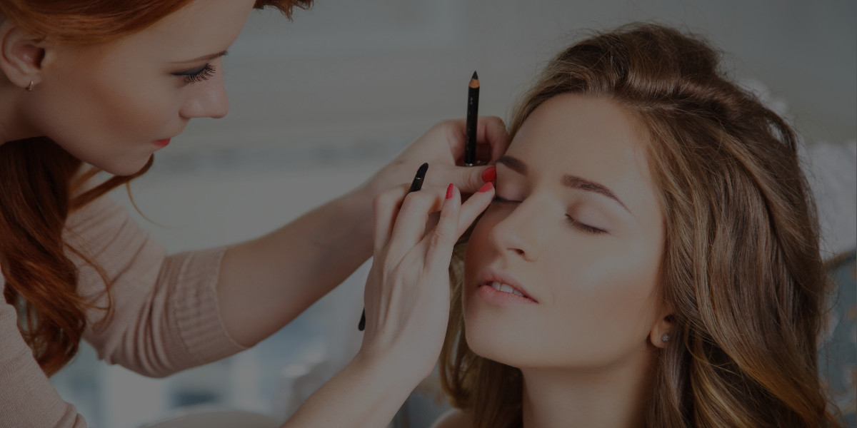 How to Write a Makeup Artist Contract