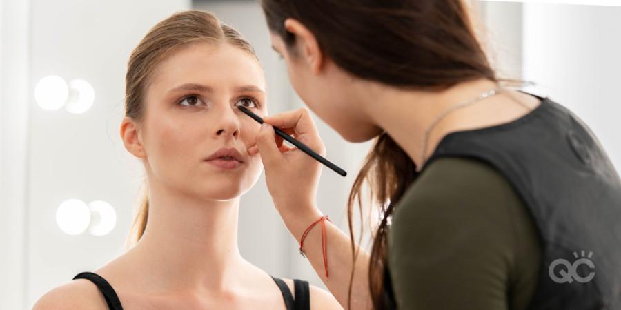 makeup artist practising