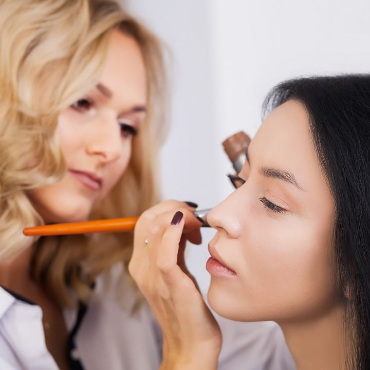 Makeup artist salary article Feature Image