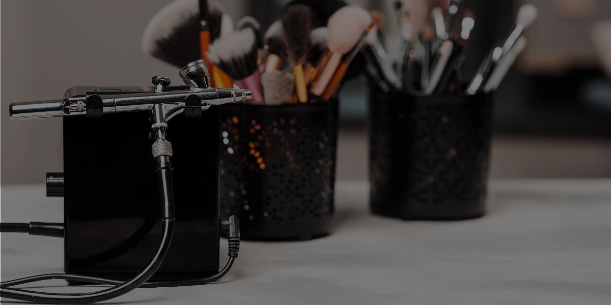 Airbrush Makeup vs. Regular Makeup: Which is Better?