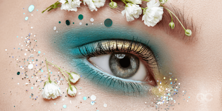 Blue eye makeup with flowers - makeup artist practice article