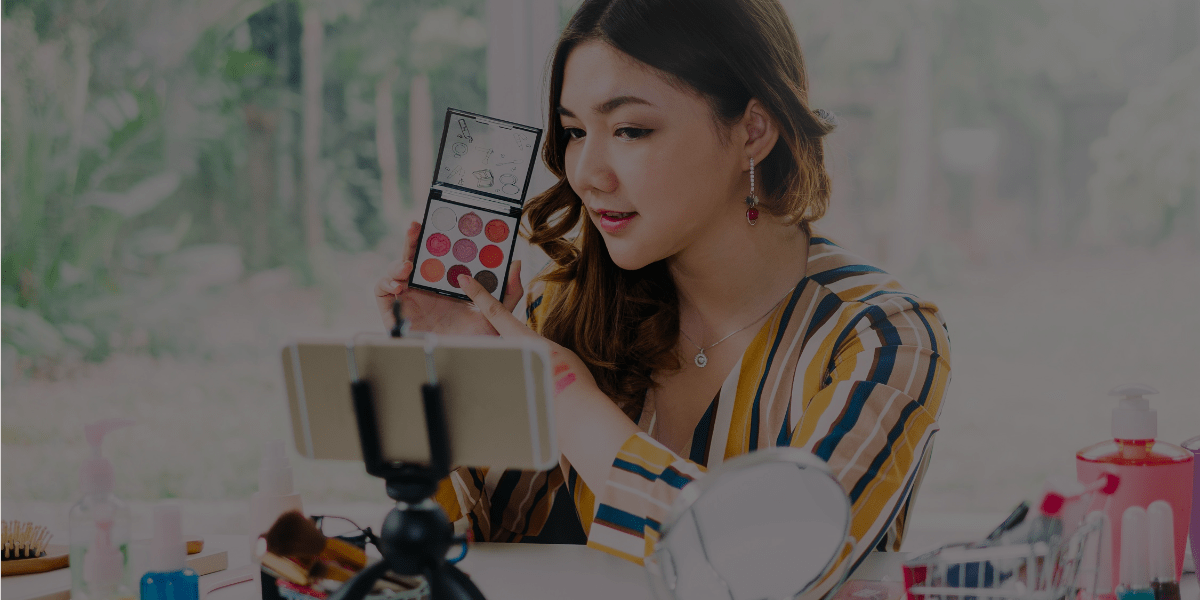 Boost Your Makeup Artist Salary with These 5 Online Services!