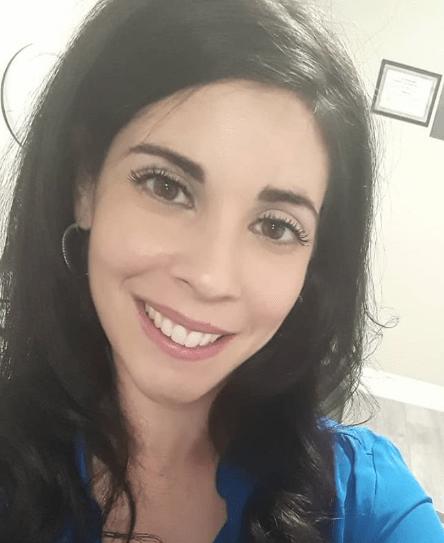 QC Makeup Academy Graduate- Nadia Calabro Headshot