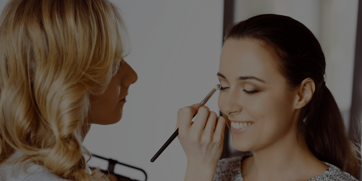 6 Ways to Find Makeup Jobs as a Beginner
