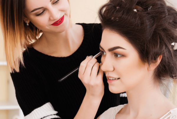 career in makeup artistry article feature image