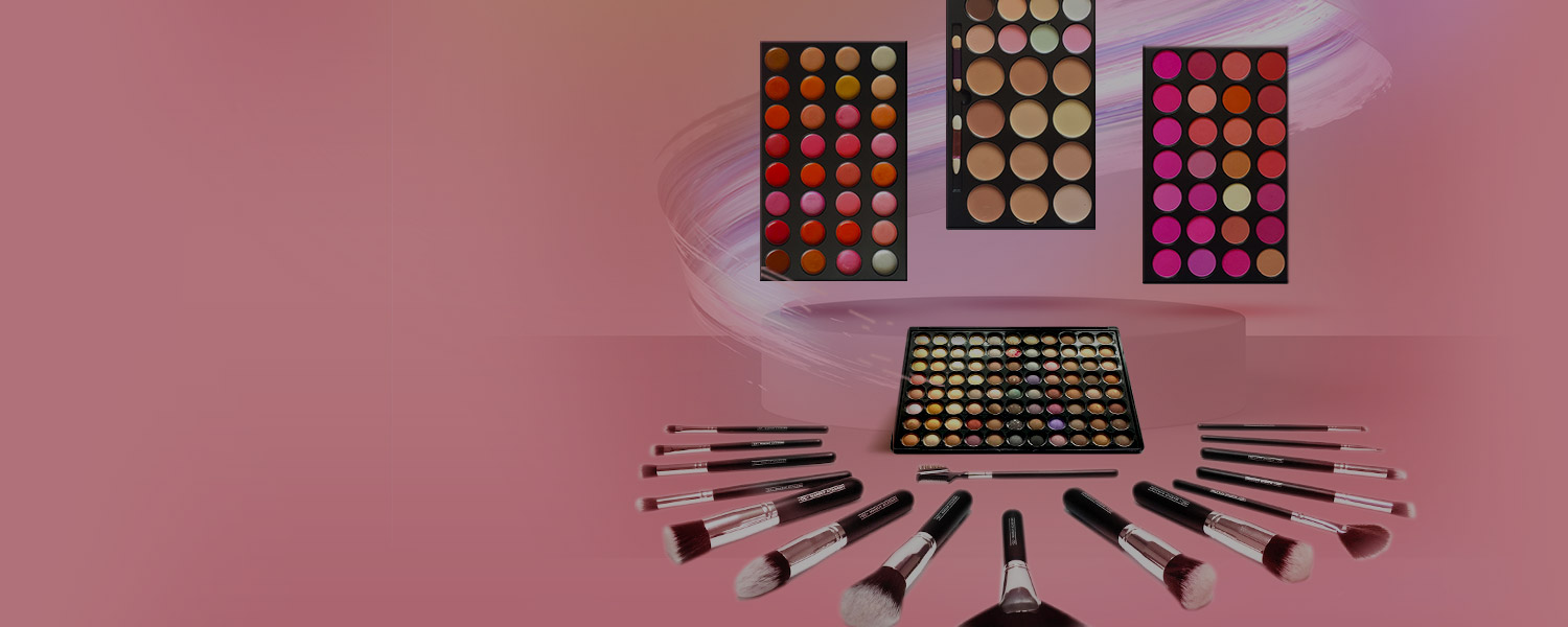 A Look Inside QC's FREE Makeup Kit!