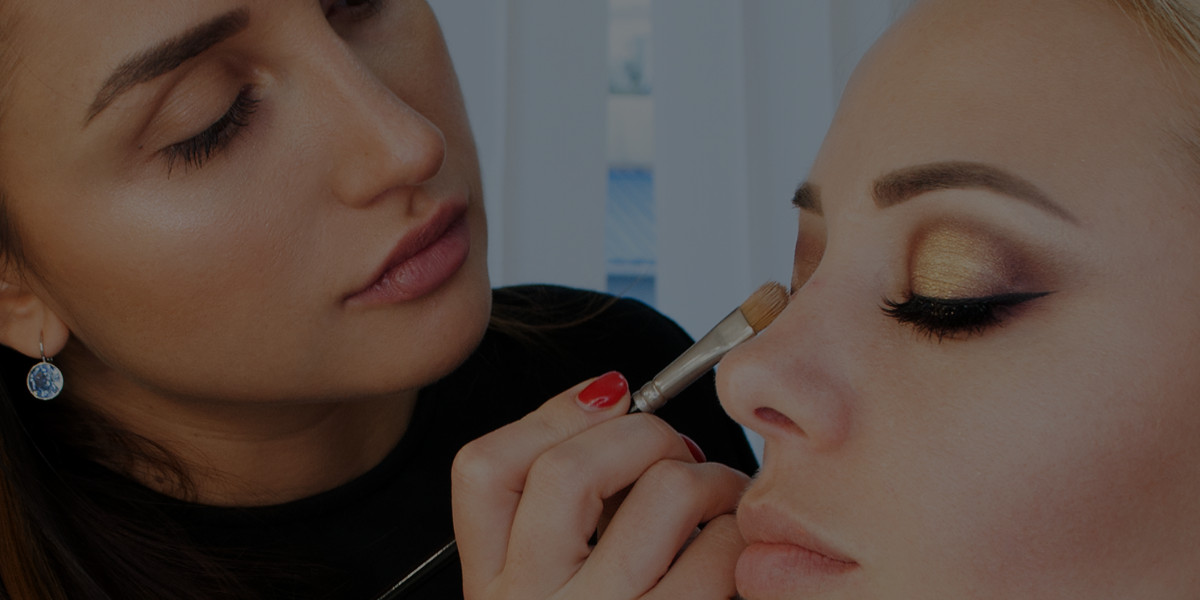 4 Business Choices That'll Hurt Your Makeup Artist Salary