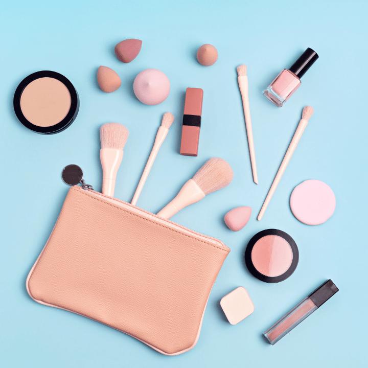 Professional makeup kit article, Apr 21 2021, Feature Image