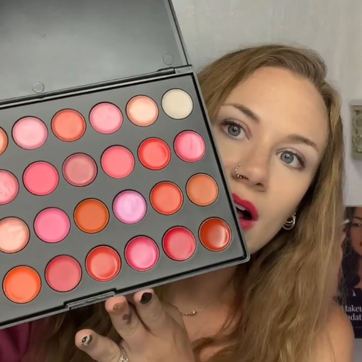 Makeup artist kit article, July 02 2021, Feature Image