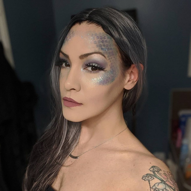 Jessica Lee with airbrush makeup