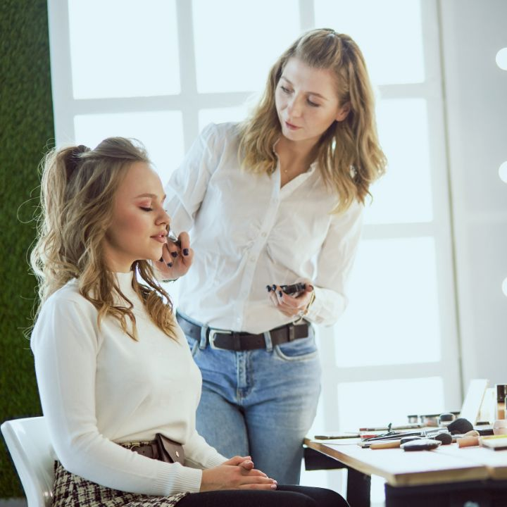 Makeup artist jobs article, July 15 2021, Feature Image